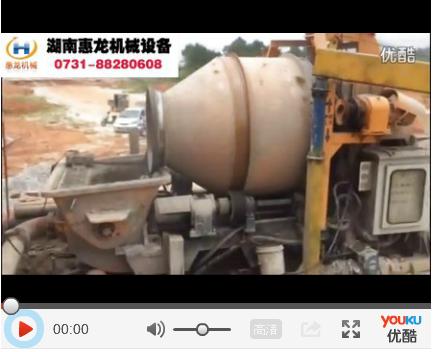 改装带配料机的滚筒车载泵-惠龙机械